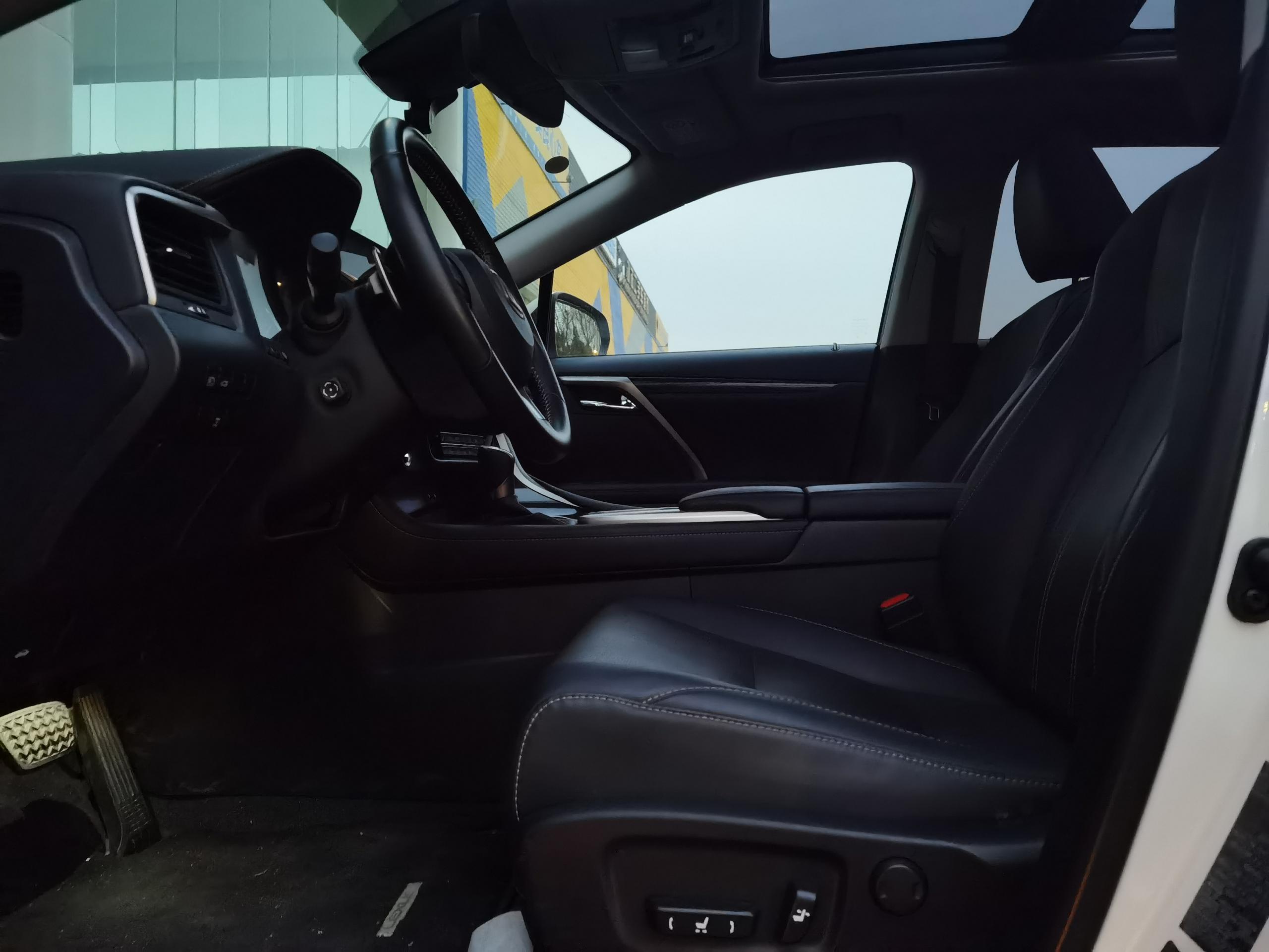 雷克萨斯RX 300 2.0T A/MT四驱豪华版(国Ⅵ)[201909]