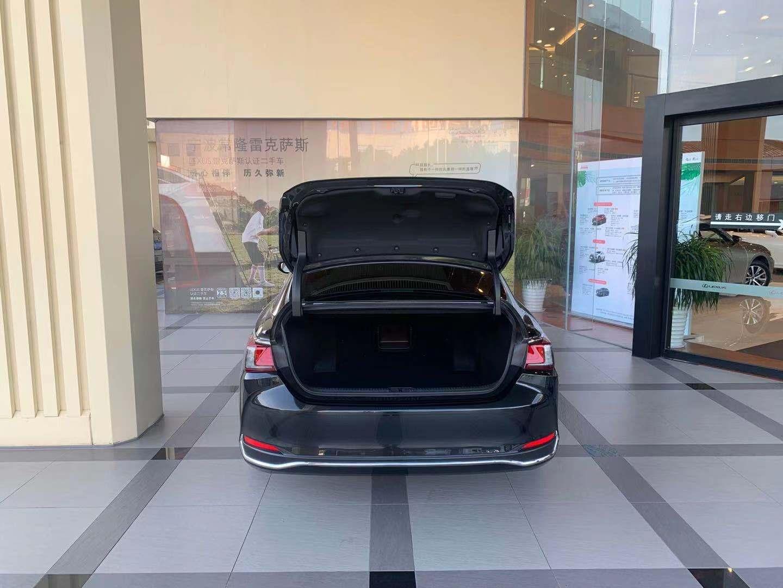 雷克萨斯ES 300h 2.5 CVT卓越版油电混合[201909]